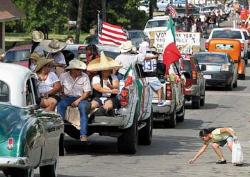 WTH 0913-MEXICAN+PARADE